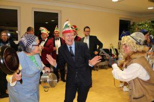 Bürgermeister bedroht von den Meedensdorfer Dorfraatsch´n