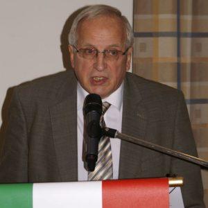 Bürgermeister Johann Bäuerlein hebt die Bedeutung des Jubiläumsvereins für das gesellschaftliche Leben in Memmelsdorf hervor