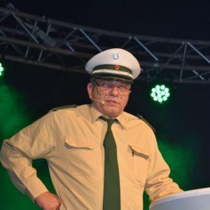 Ortspolizist Claus Müller