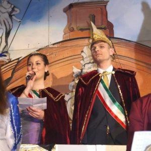 Seine Tollität David I. und Ihre Lieblichkeit Katharina II. begrüßen ihr Narrenvolk