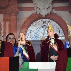 Michael II. und Katharina III begrüßen ihr Narrenvolk