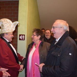 Alt-Bürgermeister Johann Bäuerlein wird begrüßt
