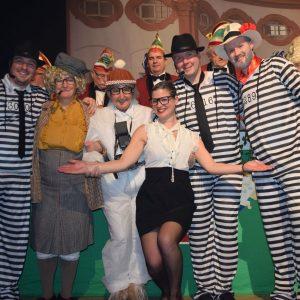 Die Mafia und ihre Gegenspieler (v.l.): Florian Nickoleit, Claudia Gunzelmann, Gerda Hofmann, Anna Nickoleit, Thomas Müller und Christopher Müller