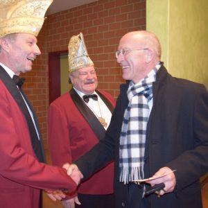 Bürgermeister Gerd Schneider wird begrüßt