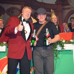 Wolfgang Tröger (r.) mit musikalischer Unterstützung  von Herbert Müller