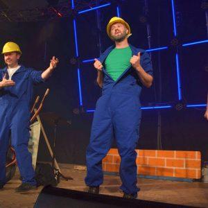 Die Mafia hat auf ihrer Baustelle immer ein Lied auf den Lippen (v.l.: Florian Nickoleit, Thomas Müller, Christopher Müller, Anna Nickoleit)