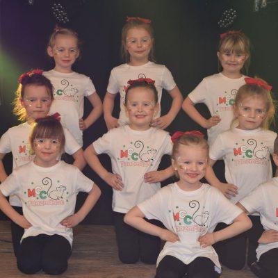 Die neu formierten Tanzmäuse bei ihrem ersten Auftritt.